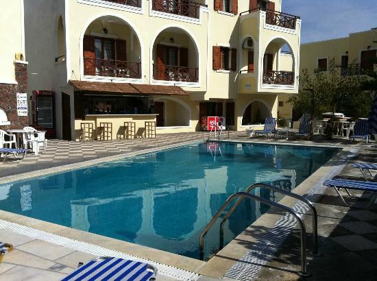 Hotel Fomithea: The pool