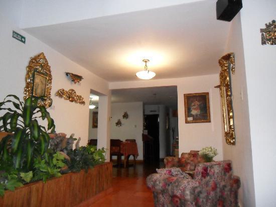 Hotel Frances La Maison: interior del hotel
