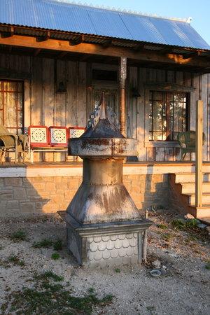 Tonkawaya Ranch B&B: A Little White House sleeps 4
