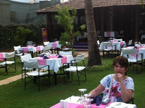 Le Jardin: the seated area towards the rear of the restaurant