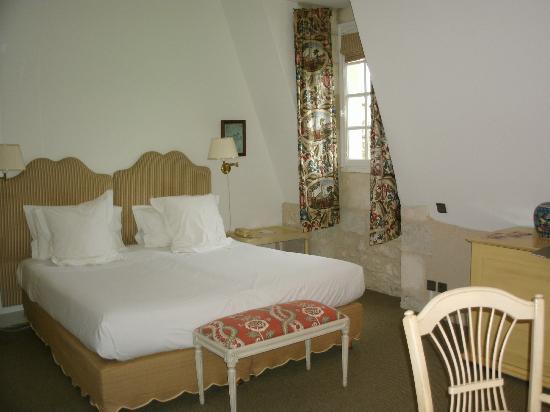 Chateau des Vigiers: chambre chateau n°6