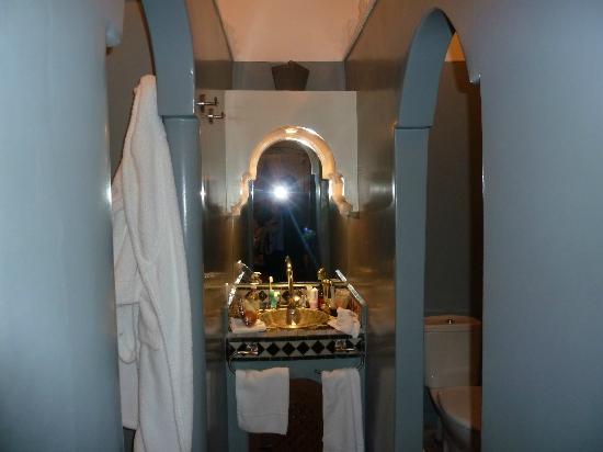 Riad Al Badia: Baño suite