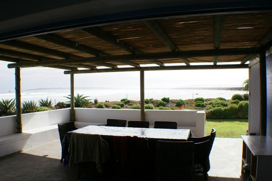 Zula Beach House and Cottage: Veranda