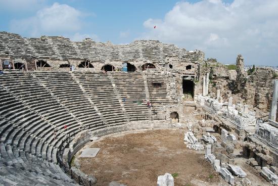 Aphrodite Restaurant: Amphitheatre in Side