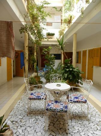 Herberge Keur Diame: Courtyard