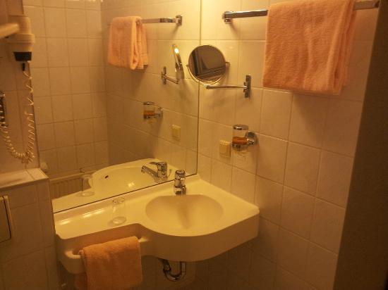TOP Hotel Consul: lavabo