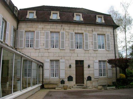 Semur-en-Auxois, Frankrike: Hotel building