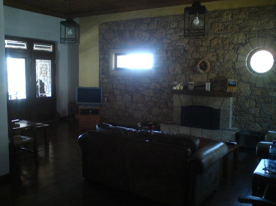 Kalamitsi Hotel : Main building lounge
