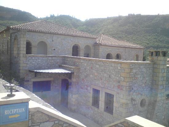 Kalamitsi Hotel : Main building - reception entrance