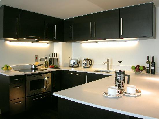 Atelier EC1 by BridgeStreet Worldwide: Kitchen
