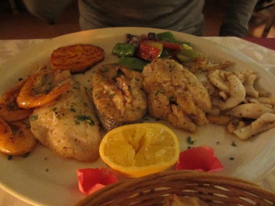 Le Chat Qui Rit : Fish platter