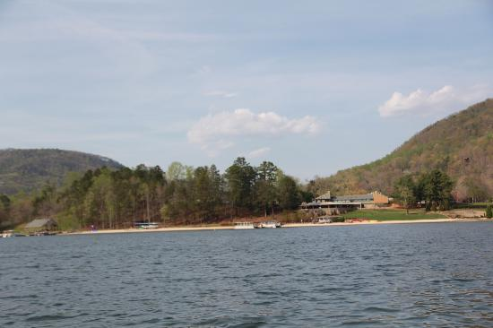 Wyndham Resort at Fairfield Mountains: View of the beach and restaurant from the peddleboat.