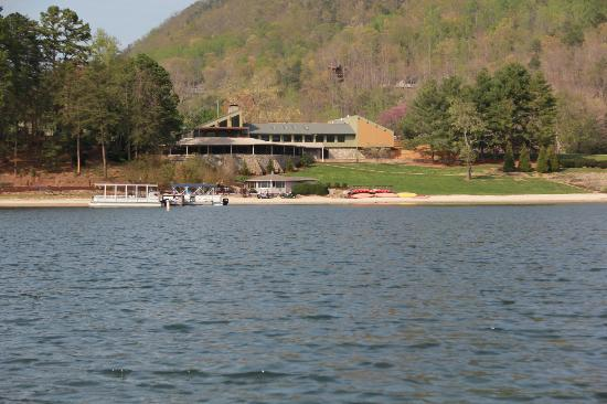 Wyndham Resort at Fairfield Mountains: View of beach, restaurant, ice cream shop, pontoon and peddleboat rentals