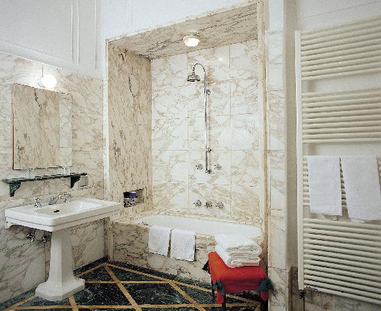 Principe Hotel: Junior Suite bathroom