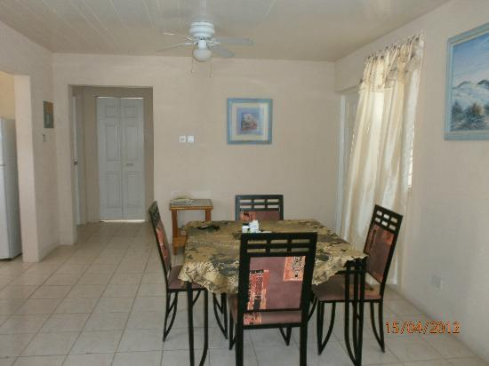 Clearwater Apartments: Dining