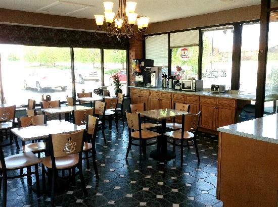Super 8 Corbin/London KY: Breakfast Area