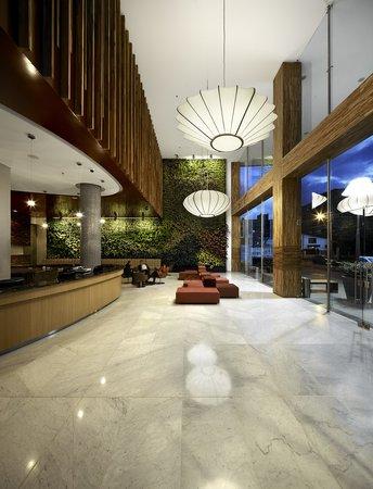 Sonesta Hotel Bogota: Front Desk