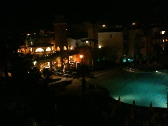 Four Seasons Vilamoura: Night view from room over pool