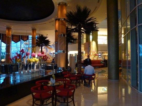 Jumeirah Beach Hotel: Lobby