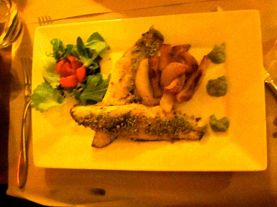 Le Mura : Sea Bass with Pistacchio