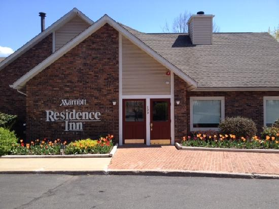 Residence Inn Hartford Windsor : Exterior