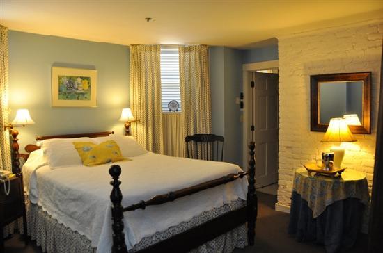 200 South Street Inn: Room 15