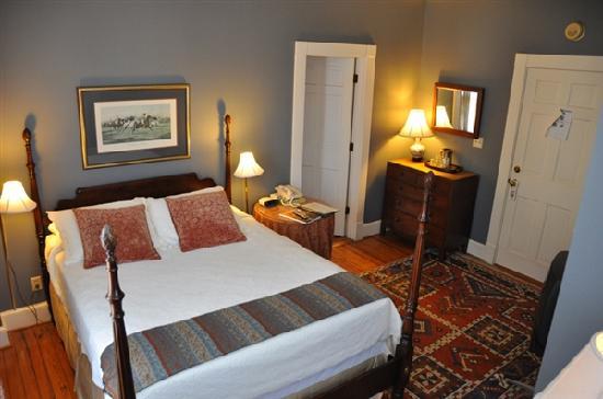 200 South Street Inn: Room 22
