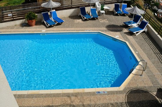 Hill View Hotel Apartments: Pool
