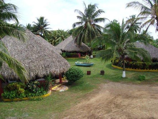 Paraiso Beach Hotel: Renovated cabanas