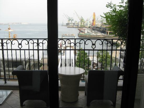 Hotel La Suite Kobe Harborland: Water View