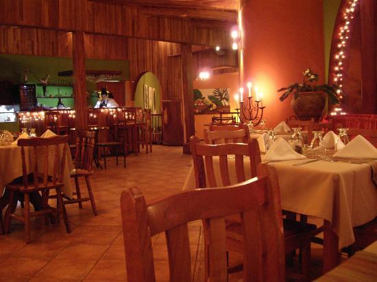 Sofia Restaurant: la salle de restaurant