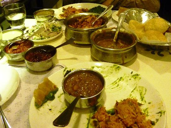 Samrat Veg Restaurant : Gujarati
