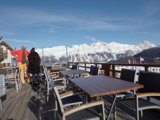 Restaurant Salastrains: Terrace before it got busy