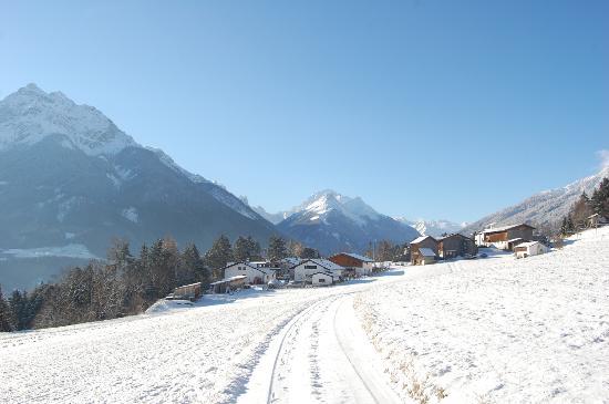 Ferienwohnungen Unterluimes: Blick richtung Tal