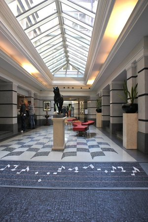 Aria Hotel Prague by Library Hotel Collection: Hotel entrance lobby