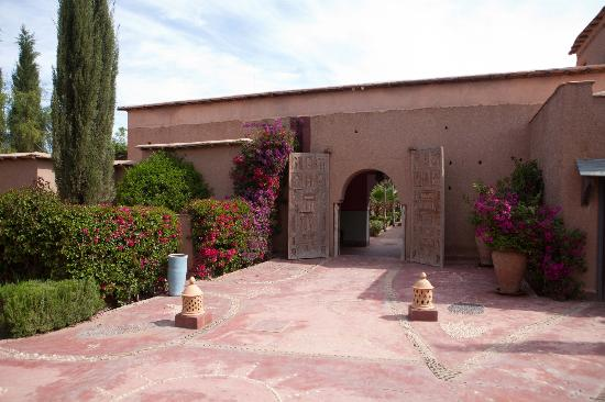 Hotel By Beldi : Entry to the Riad (hotel bedrooms)