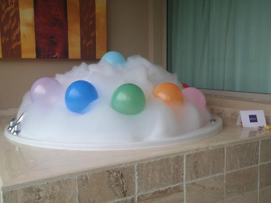 The Reserve at Paradisus Palma Real: Bubble party prepared for our kiddos the last night
