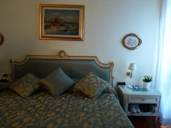 Daniel's Hotel: Cabecero de la cama