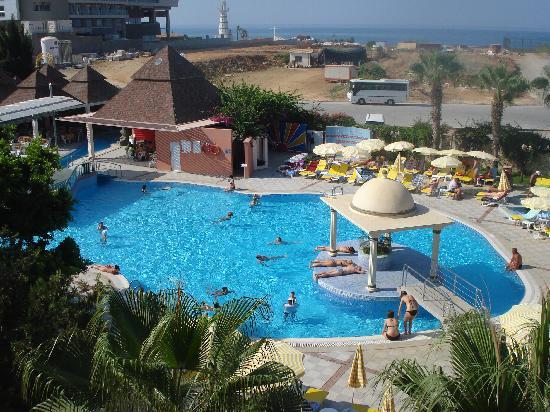 Kosdere Club Hotel: The main pool