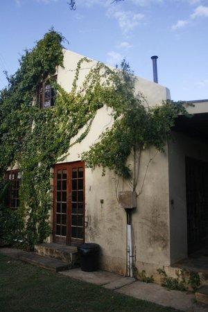 Porcupine Hills Guestfarm: farm house