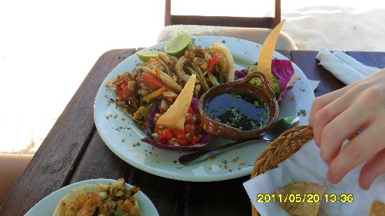 Fusion Bar & Restaurant: fish tacos?
