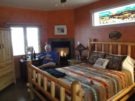 La Hacienda de Sonoita: Grand Canyon room, view from the door