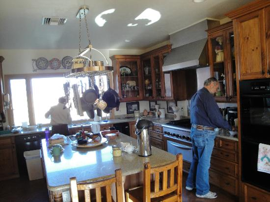 La Hacienda de Sonoita: Beautiful and immaculate kitchen of our hosts