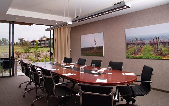 Balgownie Estate Vineyard Resort & Spa: Boardroom
