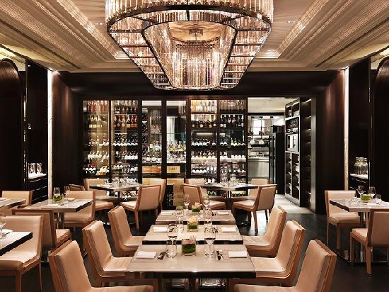 Rosewood Hotel Georgia: Hawksworth Restaurant