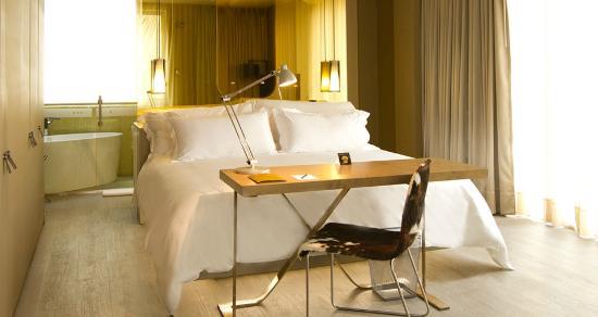 B.O.G. Hotel A Member of Design Hotels: La habitación, sábanas de 500 hilos, genial!