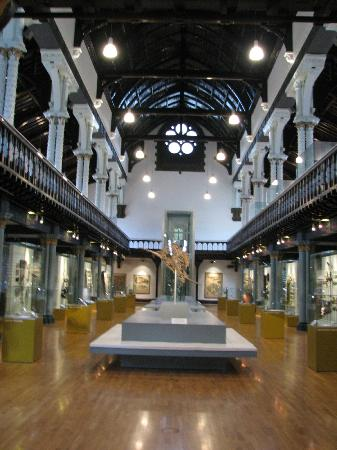 Hunterian Museum: The Hunterian -- Cathedral of Science