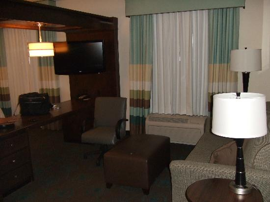 Hampton Inn & Suites Middlebury: nice place to work