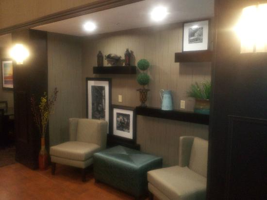 Hampton Inn & Suites Middlebury: lobby