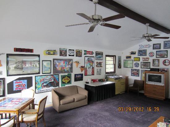 Gear Head Inn : Our Lobby
